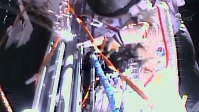 Astronauts begin ambitious ISS spacewalk