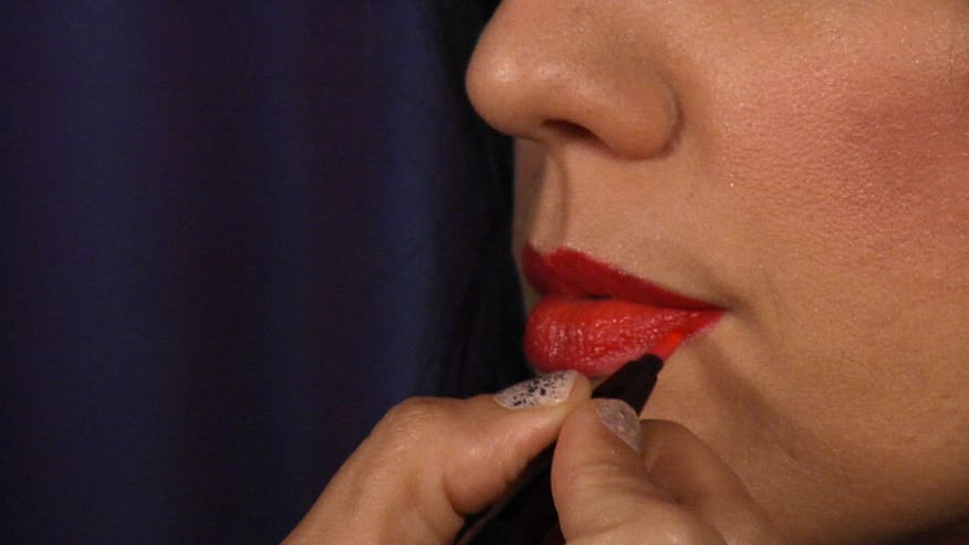 Makeup artist Lauren Cosenza shows us how to get a fuller lip for day or night.