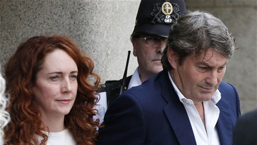 Ex-News of the World editor Andy Coulson found guilty, Rebekah Brooks found not guilty