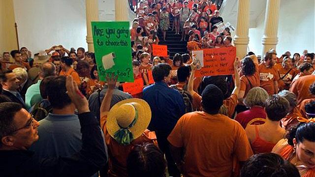 Texas abortion battle heats up