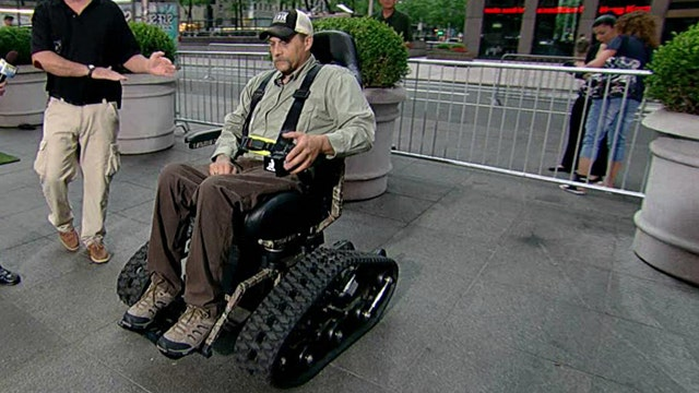 Man helps Wounded Warriors hunt in comfort