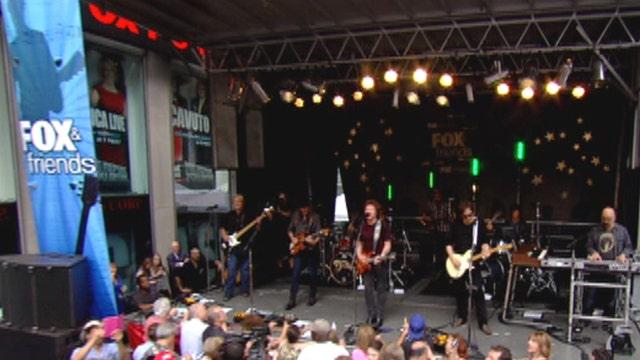 The Doobie Brothers perform 'World Gone Crazy'