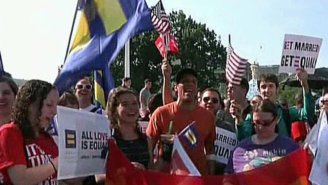 Calif. appeals court lifts hold on same-sex marriage