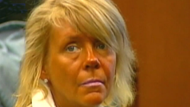 Tanning mom can't resist