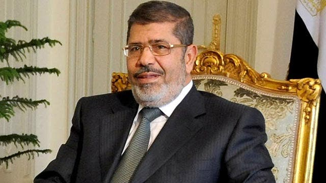 Who will replace Morsi if he resigns?