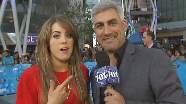 Taylor Hicks has fun with 'Idol' top 10