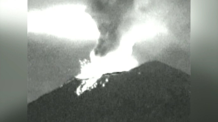 Watch Mexico Volcano spew lava at night
