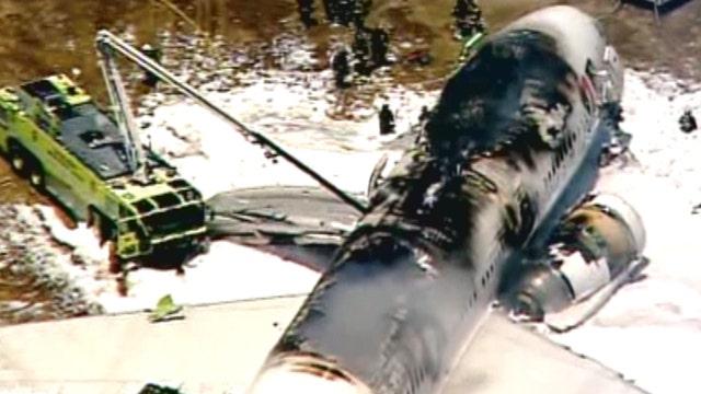 Boeing 777 crashes upon landing at San Francisco Intl