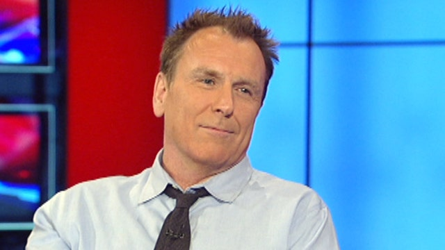 Colin Quinn's one-man show tackles Constitutional calamities