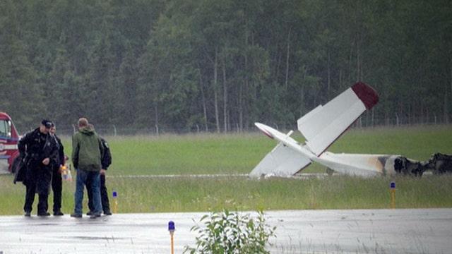 Crash in Alaska kills 10