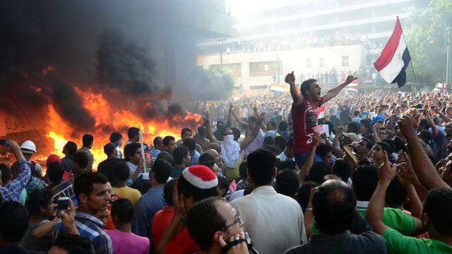 Violent clashes over political unrest in Egypt