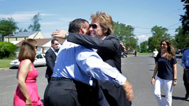 Hollywood Nation: Bon Jovi gives back