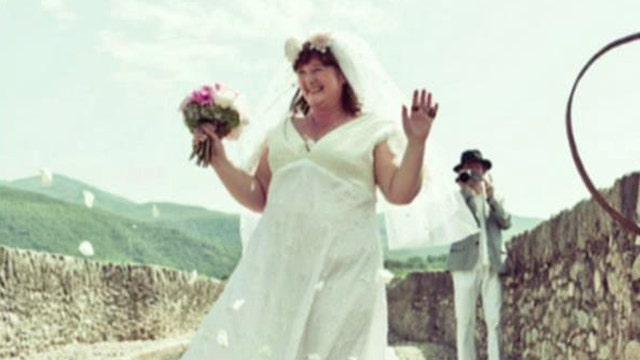 Australian woman marries 600-year-old French bridge