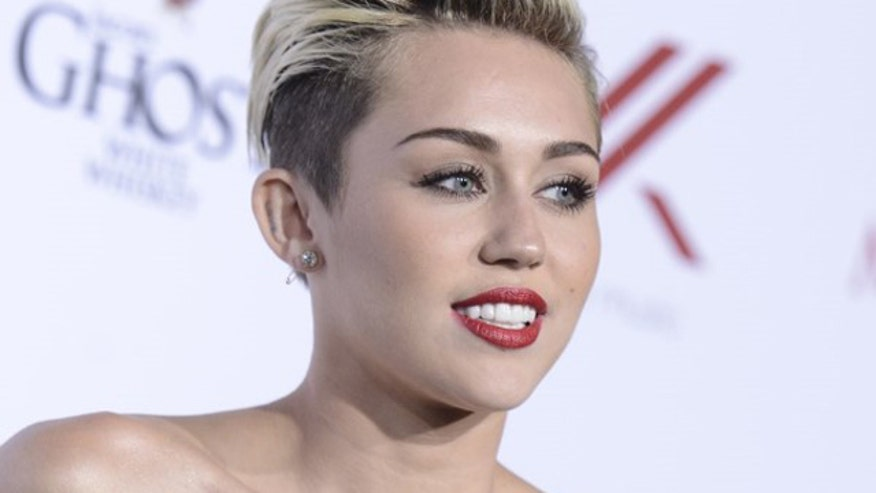 Four4Four: Miley Cyrus in new drug-filled, explicit video; new reality show has couples meet and marry in same day; Taylor Swift compares fans to dating; Sophia Vergara levels-up with Joe Manganiello?
