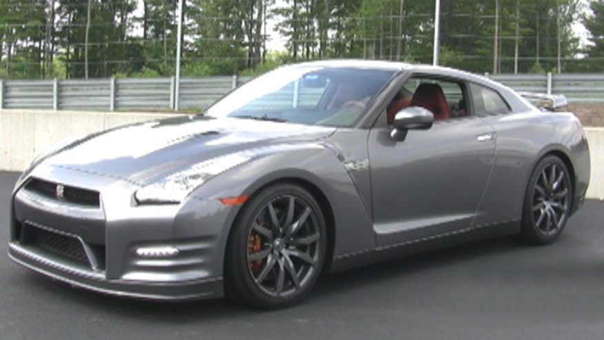 Fox Car Report drives the 2014 Nissan GT-R