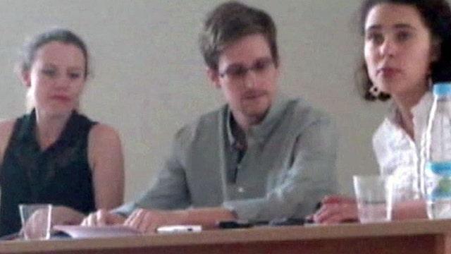 NSA leaker says he will seek asylum in Russia