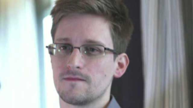 Snowden files for temporary asylum in Russia