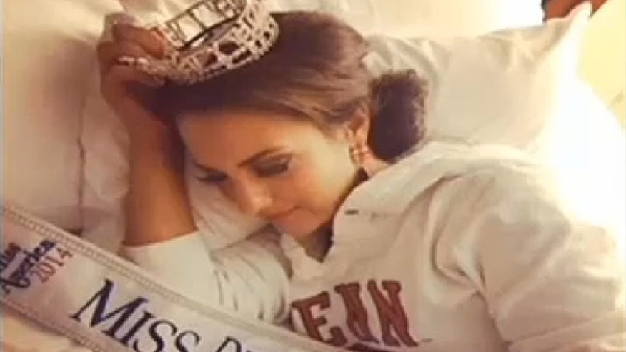 Ex-Miss Delaware suing over crown