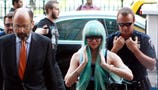 Amanda Bynes makes a rare appearance on Twitter