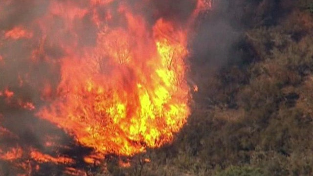 Southern California wildfire prompts mandatory evacuations