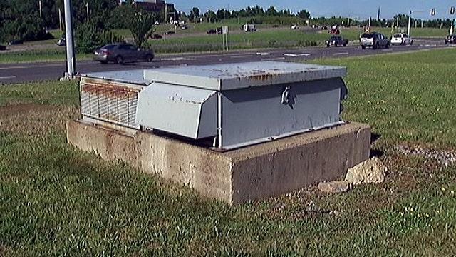 Verizon technician locked in underground vault