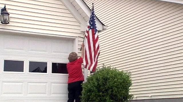 Dying vet cannot fly flag outside home