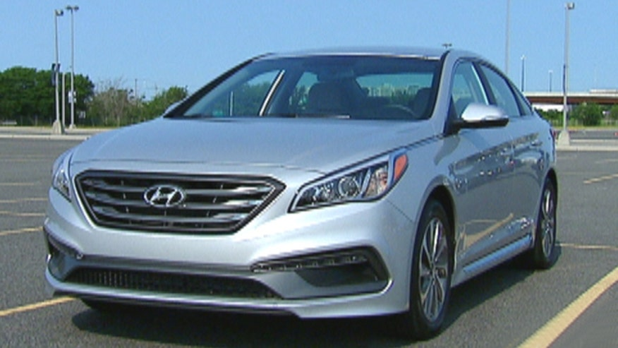Fox Car Report's Gary Gastelu takes the 2015 Hyundai Sonata for a spin to find out if it's music to his ears.