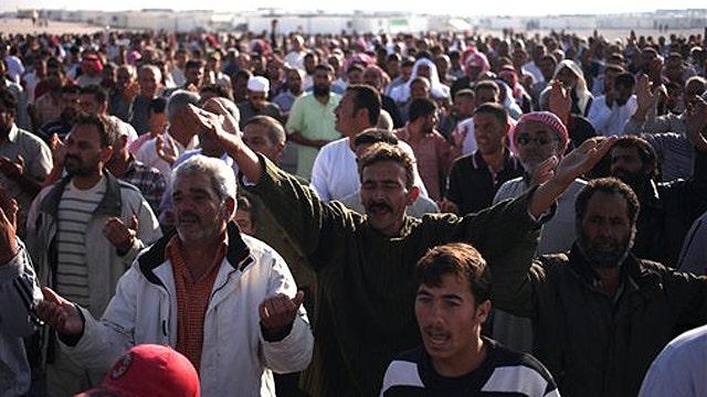 Syrian rebels take break from fighting to celebrate Eid