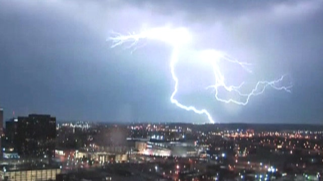 Mother Nature puts on incredible light show
