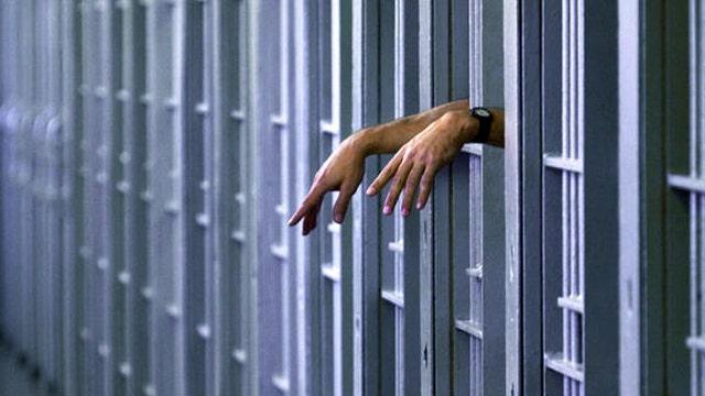 Should certain drug dealers, users get lighter sentences?