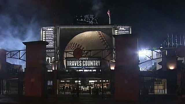 Fan dies after fall during Braves game at Turner Field
