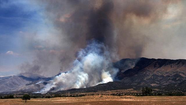 12 homes destroyed in Utah wildfire, hundreds more in danger