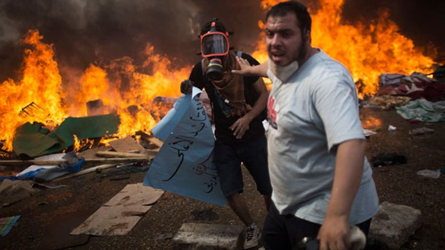 Chaos in Egypt: Country on the brink of civil war