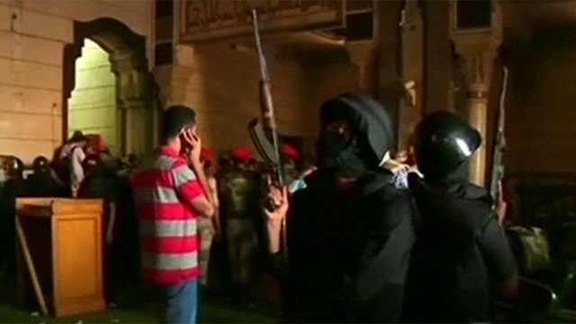 How should US respond to deteriorating situation in Egypt?