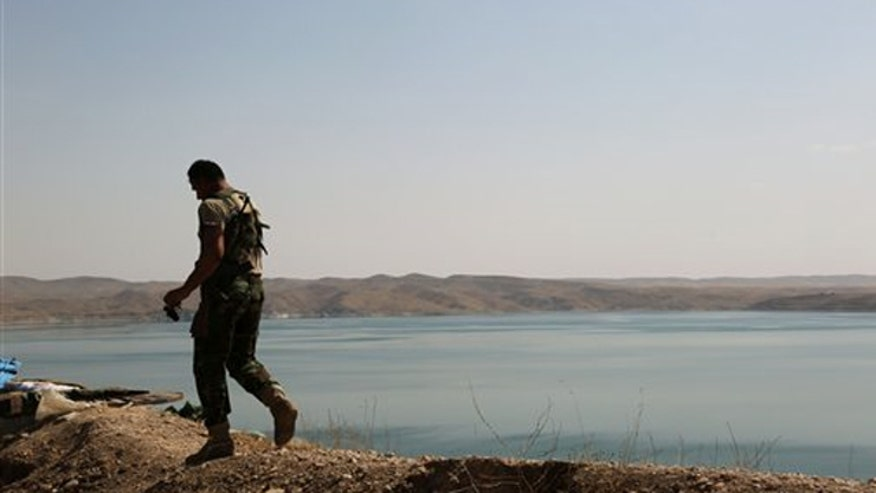 U.S. airstrikes help clear dam compound of ISIS militants