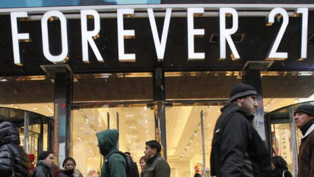 ObamaCare fallout? Forever 21 to cut some employees' hours