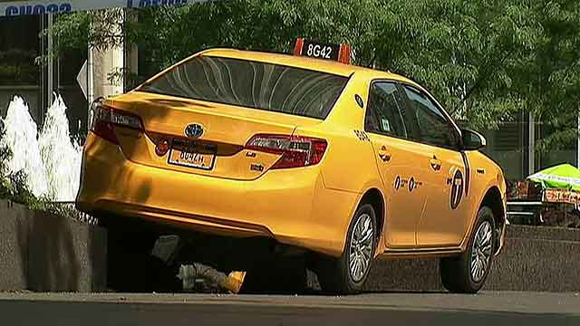 Dr. Oz, plumber help tourist hit by taxi cab