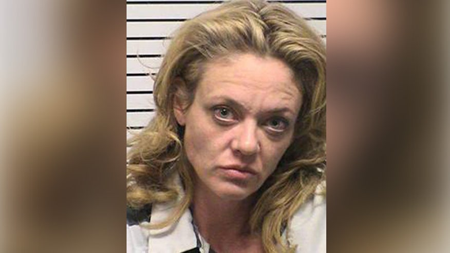 Lisa Robin Kelly's manager said the coroner's office is investigating how she died