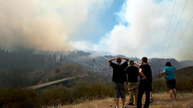 Wildfire burns dangerously close to Yosemite National Park
