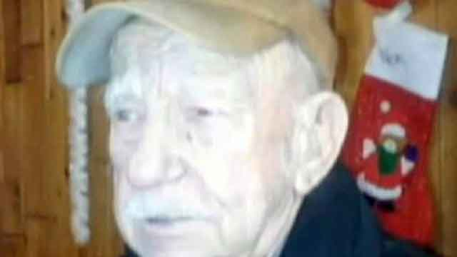 Manhunt for suspects in beating death of WWII veteran