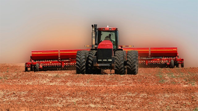 Report: US farmers planning to raise prices