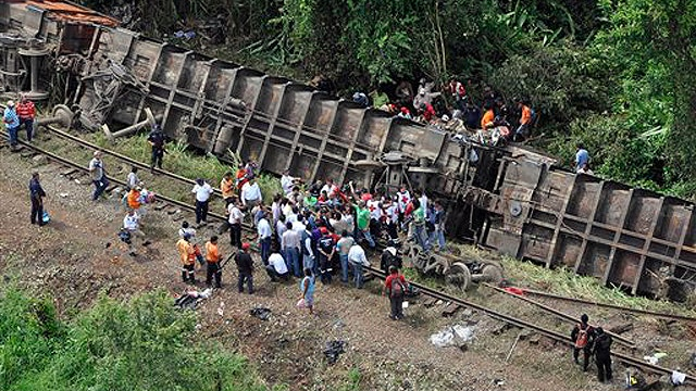 At least 5 killed in Mexican cargo train crash