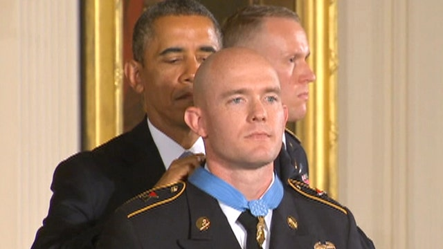 Obama presents Medal of Honor to Ty Michael Carter