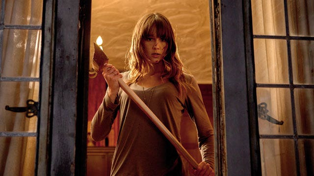 House guest's violent tendencies exposed in 'You're Next'