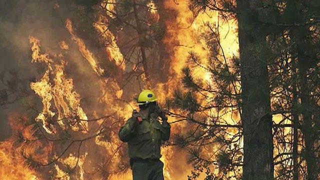 Massive wildfire burning in Yosemite National Park