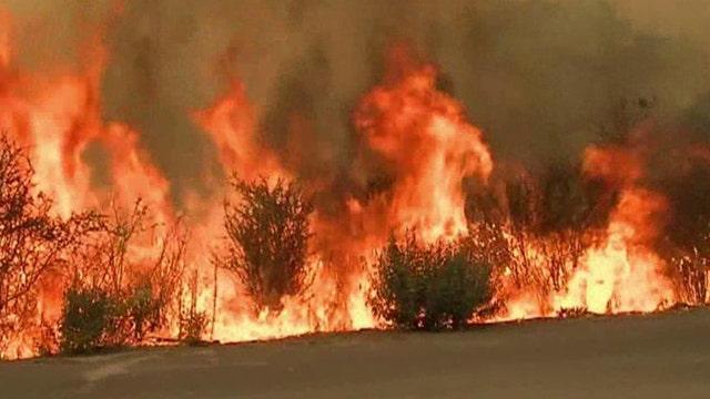 Crews making progress against wildfire threatening Yosemite