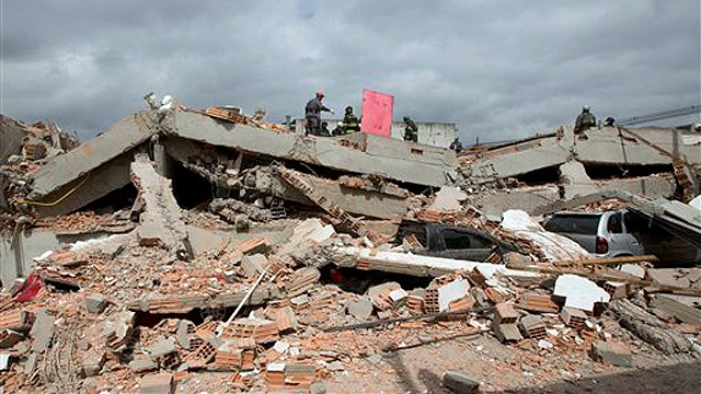Building collapses in Brazil, kills at least 6