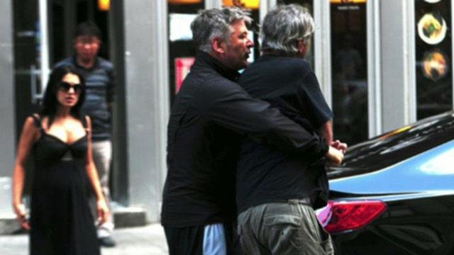 Alec snaps again: Baldwin attacks paparazzi