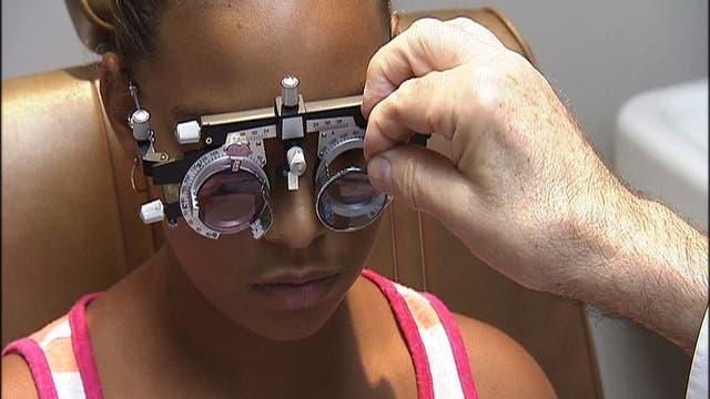 Tinted glasses treat dyslexia