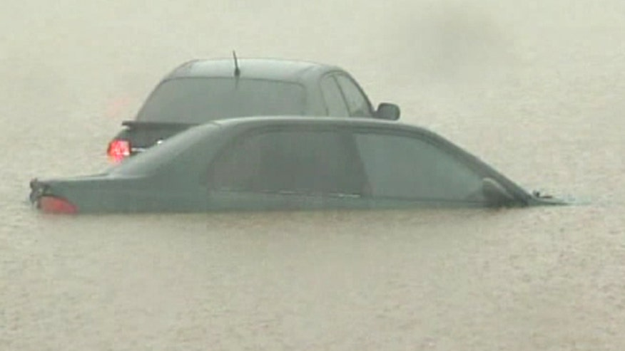 Phoenix commuters get stuck in high water